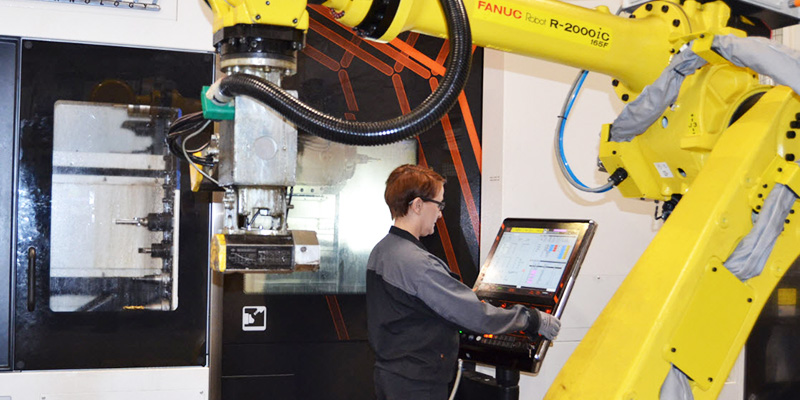 Jameshaft-CNC-AMC-Operaattori-Robotiikka-Koneistus-Solu